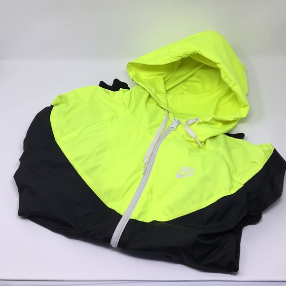 Nike retro jacket. Neon and black. Size M. M 5aa59f1c72ea8855fcfe32bf a21e1a35c